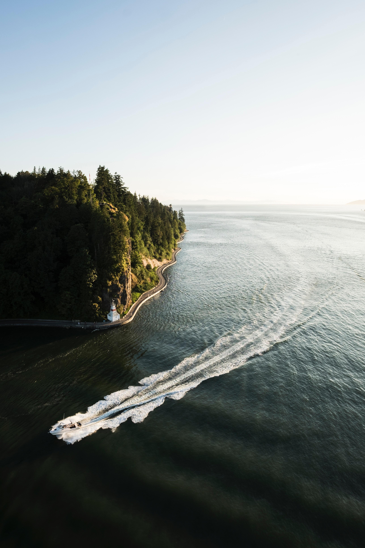 Wie verbindet FLYLA Fliegen mit Umweltfragen?