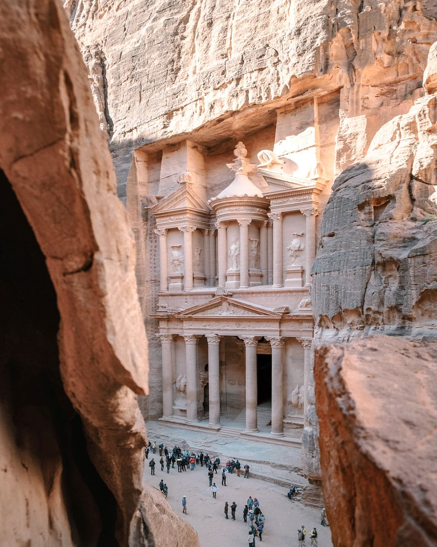 Petra ist eine Ruinenstätte im heutigen Jordanien.