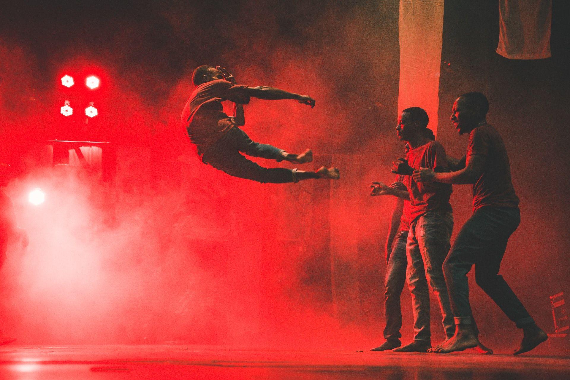 Zum Rhythmus afrikanischer Trommeln in Zeiten von Corona